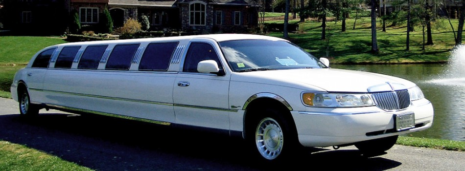"<a href=""http://prestigelimo-nc.com/corporate-airport-transfers/""><b>Lincoln Stretch Limousine</b></a><p></p>"