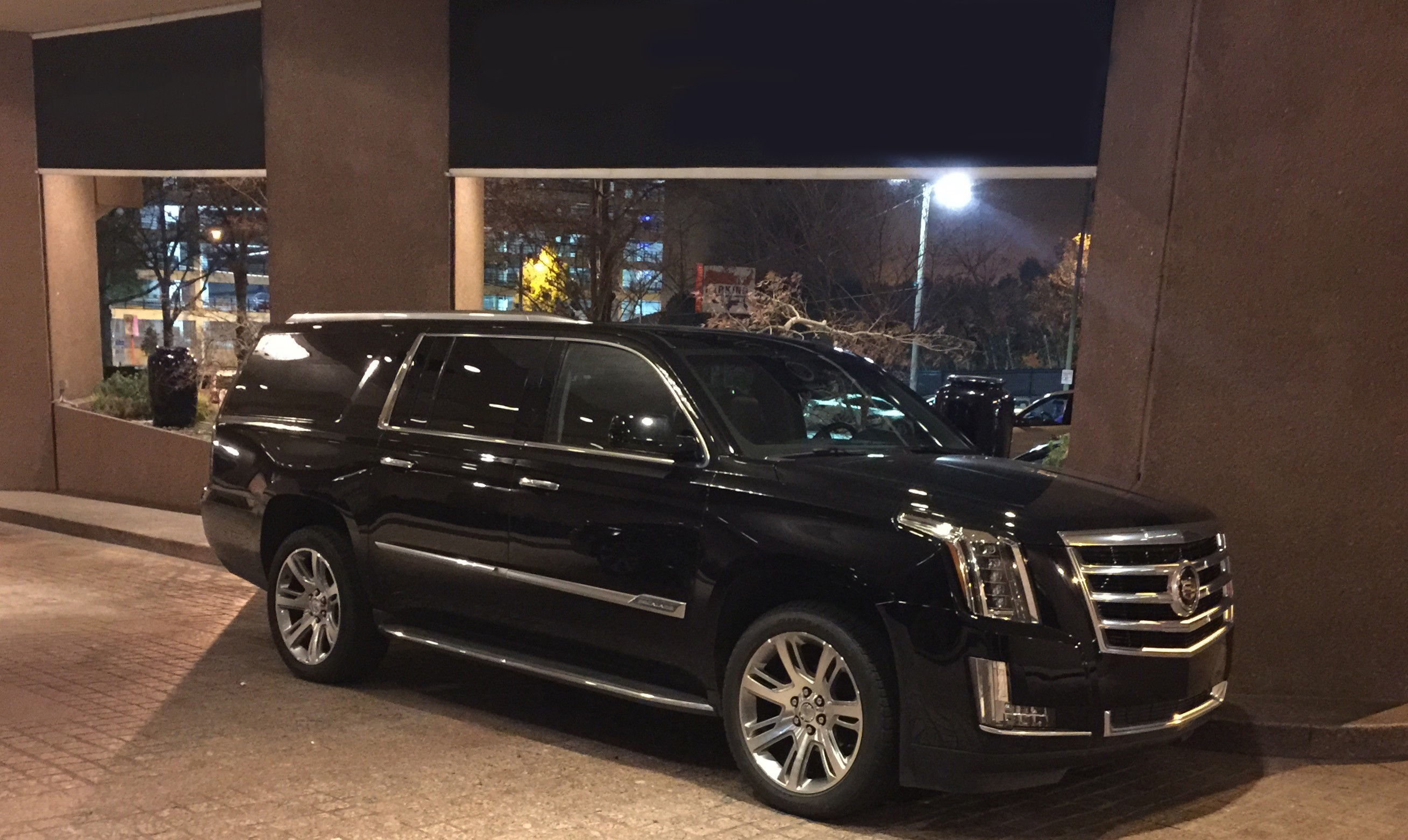 Suv: Comfort And Style In Our Large, Luxury Limousines