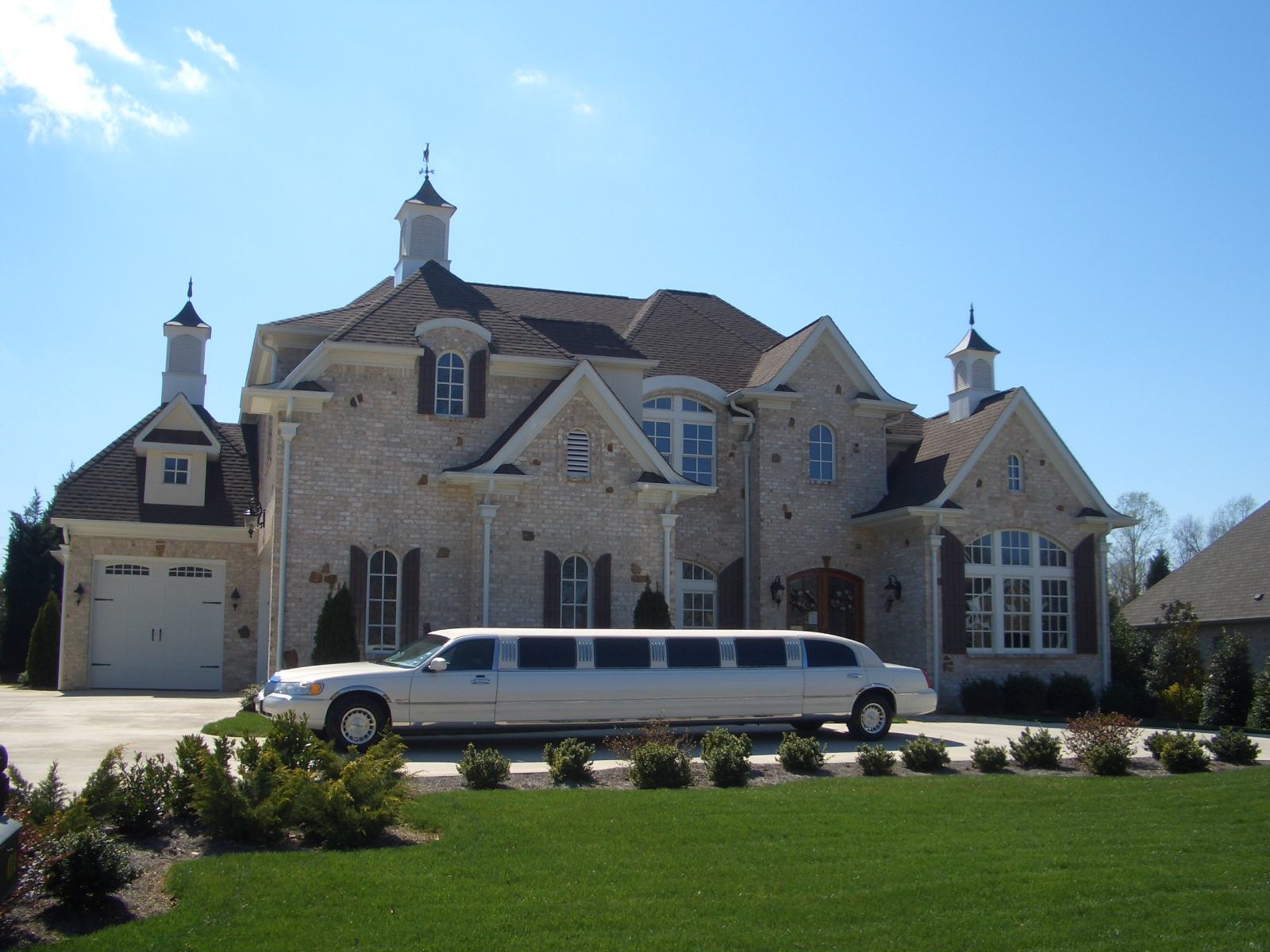 Our Fleet Comfort And Style In Our Large Luxury Limousines
