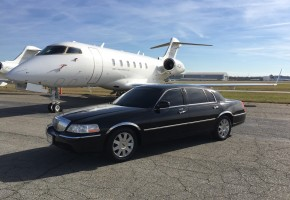 Airport, corporate, wedding transportation. The best limo to ride in style in Greensboro, NC, Winston Salem, NC, High Point, NC, Raleigh, NC, Charlotte, NC, Chapel Hill, NC, Burlington, NC.